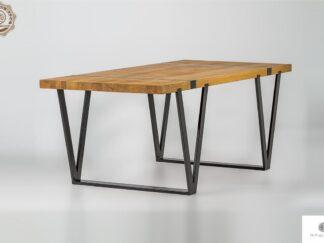 Industrialny stol z debowego drewna litego na metalowych nogach NERON