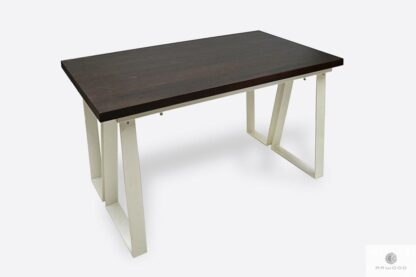 Designerski stół z ciemnym dębowym blatem i białymi nogami ELEGANT