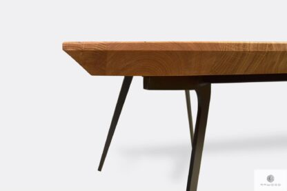 Table with oak tabletop with swiss edges VITA