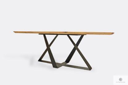 Stół z drewnianym blatem z podciętymi krawędziami do jadalni BORNEO