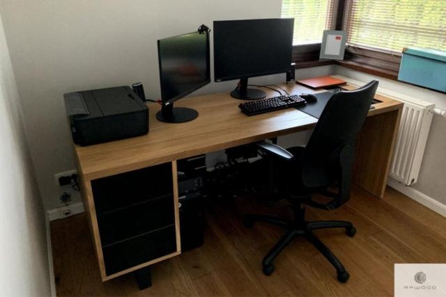 Modern oak desk to office #homeoffice MOCCA